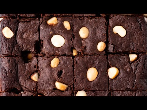 "Keto Chocolate Macadamia Nut Brownies - Rich & Moist Easy to Make, Low Carb & ""No Flour"" (2g Carbs)"