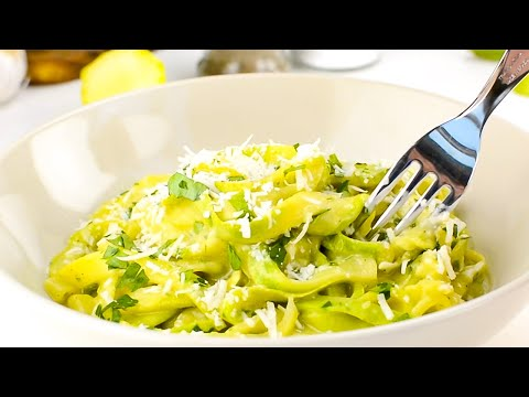Keto Zoodles / Zucchini Noodles Recipe with Avocado Sauce - Light & Tasty with Healthy Fats (Easy)