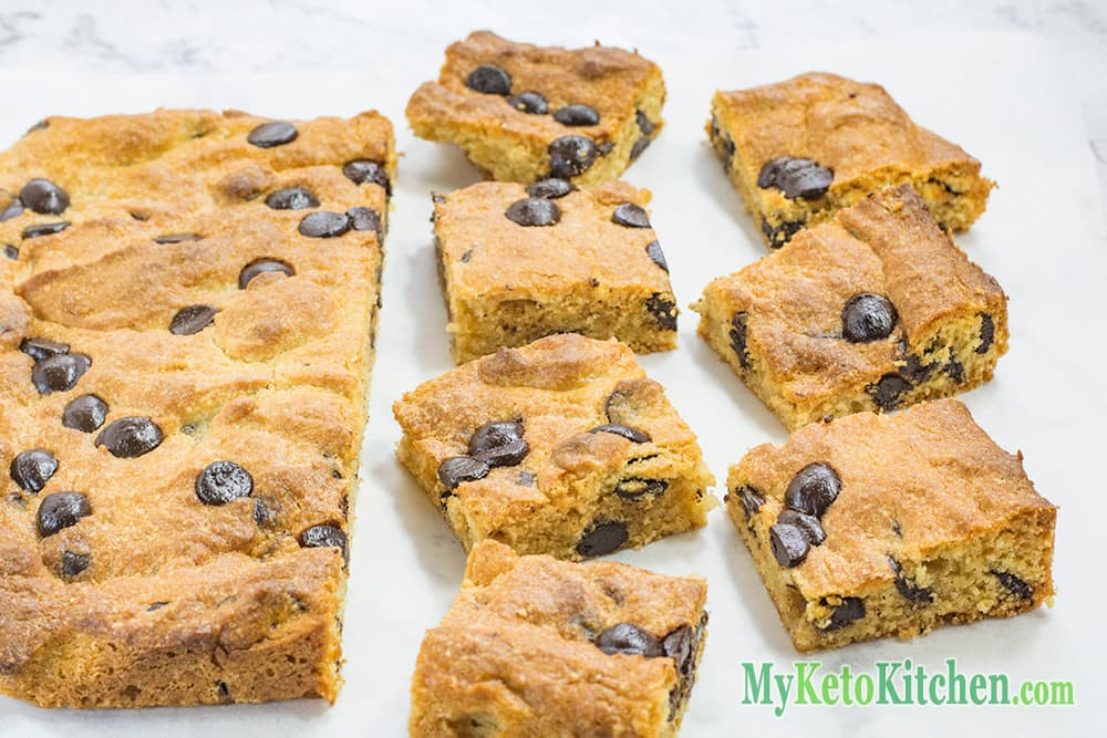 Low Carb Chocolate Chip Peanut Butter Blondies | My Keto Kitchen