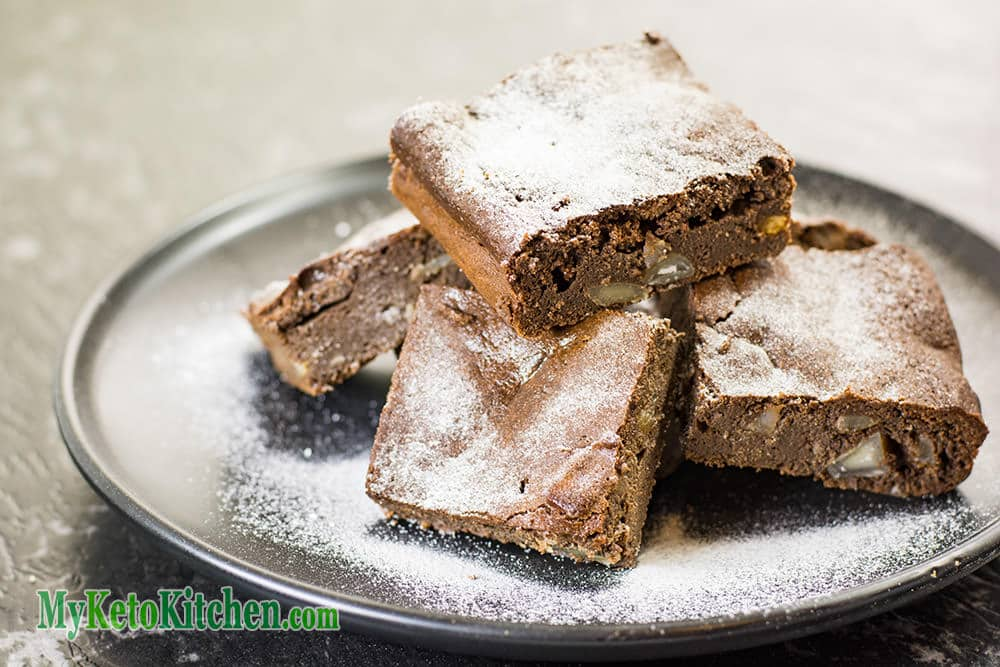 Keto Chocolate Macadamia Brownies