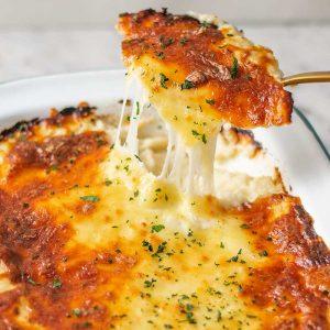Keto Cheddar Cauliflower Mash - easy cheesy side dish recipe