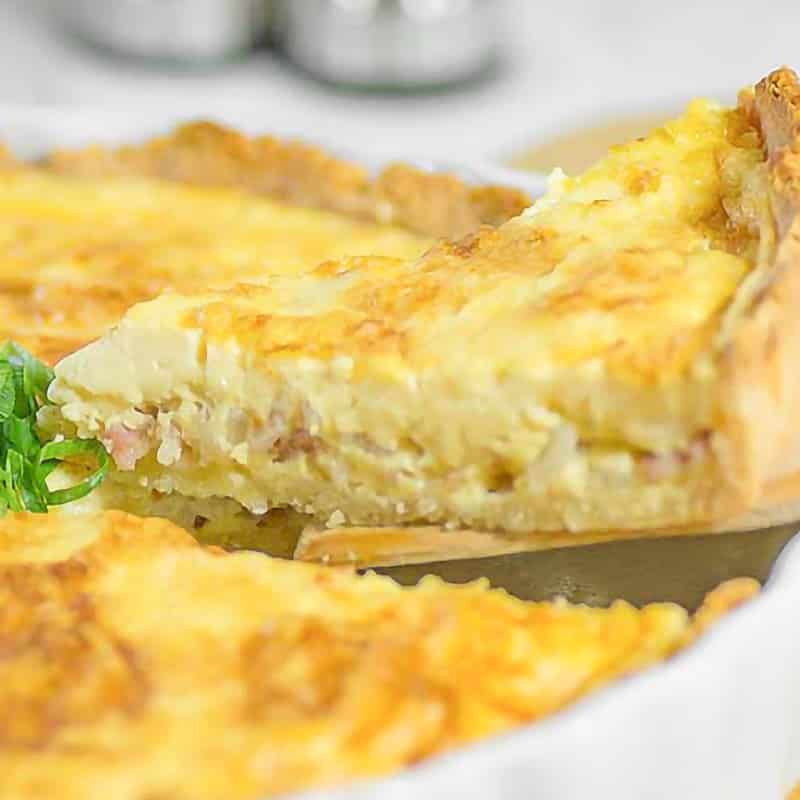 serving of keto quiche lorraine