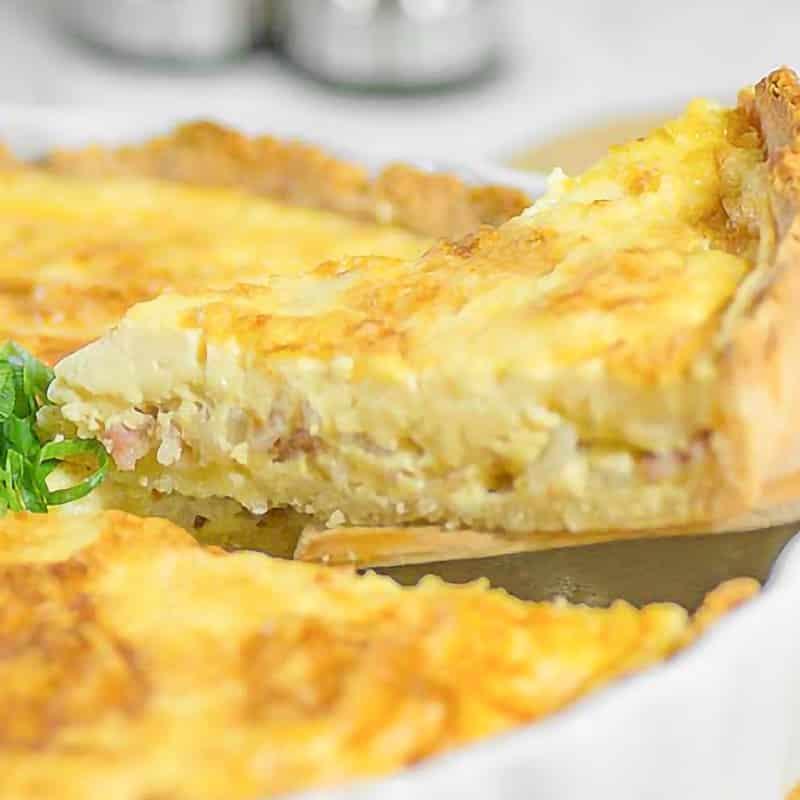 serving of keto quiche lorraine