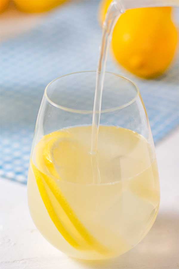 How to make Sugar-Free Sparkling Lemonade - easy keto drink recipe