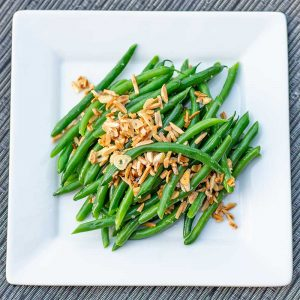 Keto Garlic Green Beans - easy side dish recipe