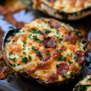 Keto Portobello Mushroom Pizzas - easy low carb pizza recipe