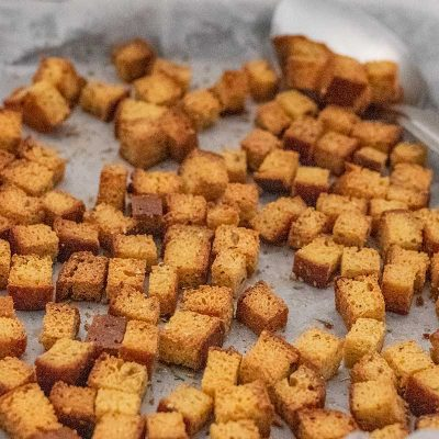 Keto Croutons – Crunchy & Gluten Free Salad Topper