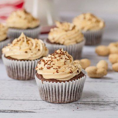 Keto Chocolate Peanut Butter Cupcakes Recipe (3g Net Carbs)