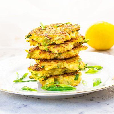 "Keto Cauliflower Latkes – Easy Low Carb ""Potato"" Pancakes Recipe"
