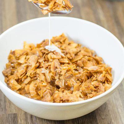 Keto Corn Flakes Alternative – 4 Ingredient Low Carb Breakfast Cereal Recipe