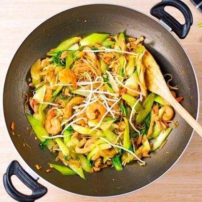 Keto Stir Fry Noodles Recipe – Singapore Style